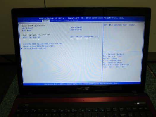 BIOSのBoot設定画面でUSB(またはDVDドライブ)の起動優先順位を上げておく