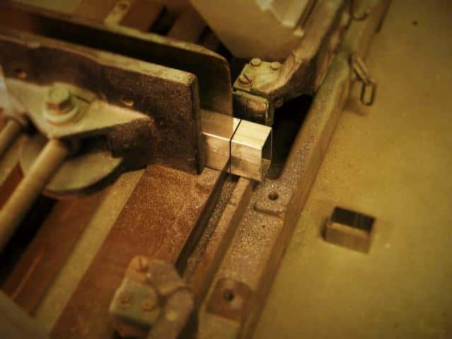 【電動工具紹介】鉄を切る道具(5):切断音も切りくずも少ない【バンドソー】