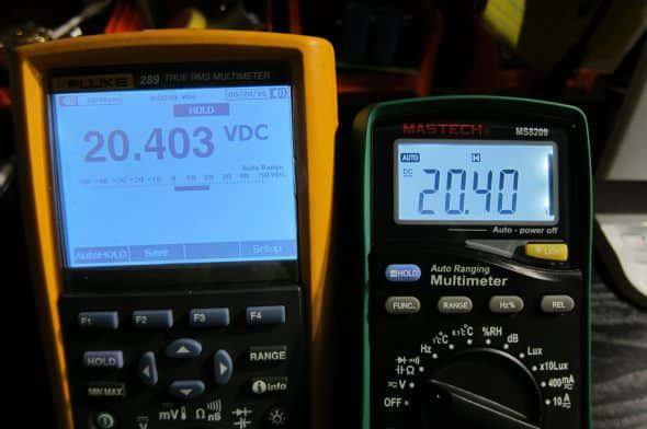 Fluke289と電圧測定の比較。100mVくらいの誤差は予想してたがまさかのほぼ同じ。