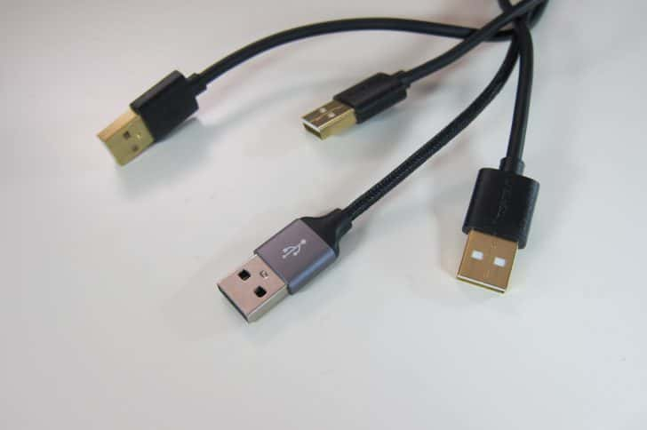 USBの差し込み口を間違えないUSBコネクタの覚え方