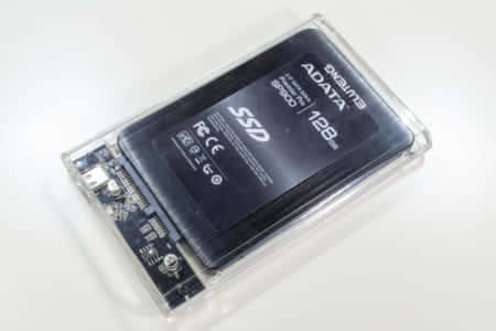 SSDをUSB3.0 Type-Cケースキットに組み込んだところ