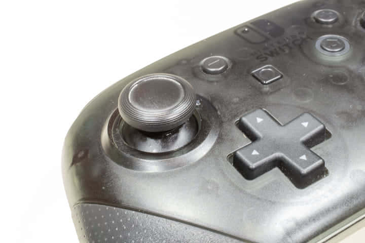 【Nintendo Switch】プロコンのスティックの調子が悪くなったのでレバーを洗浄修理する