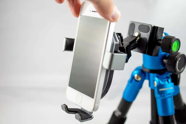 【スマホ充電器レビュー|クーポンあり】車の中でも快適に使えるワイヤレス充電器|Autowit Qiホルダー