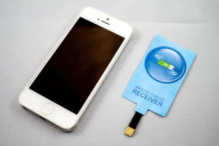 【Qi 充電レシーバー】ワイヤレス充電に非対応のiPhoneを1000円で対応してみた