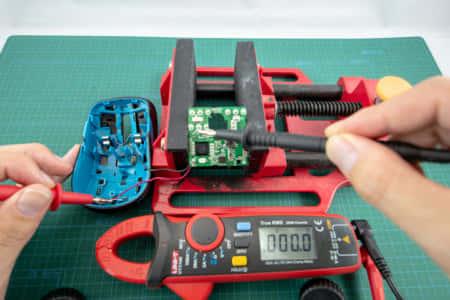 【回路修理記】突然電源の入らなくなったマウス、テスター導通確認に潜む罠