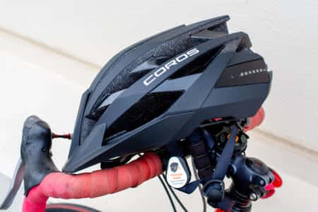 【Coros OMNIサイクリングヘルメット|レビュー】ロードバイクにもスマートデバイスを!機能美と安全性を兼ね備えた次世代ヘルメット
