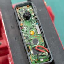 【回路修理記2】バッテリー寿命のBluetoothイヤホン、バッテリーを交換して再生する