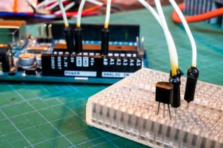 Arduinoで温度センサICを使って温度測定