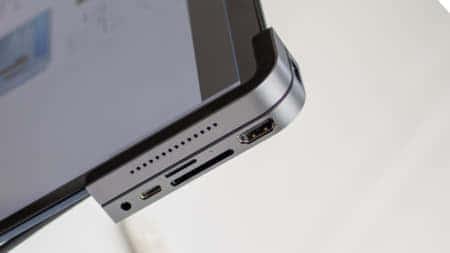 本体の側面に装着するUSBハブ「RC01」、タブレットにも対応する多機能Type-Cハブ